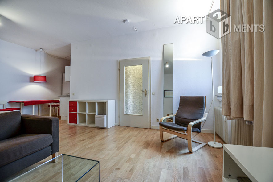 Furnished spacious apartment in Cologne-Neuehrenfeld