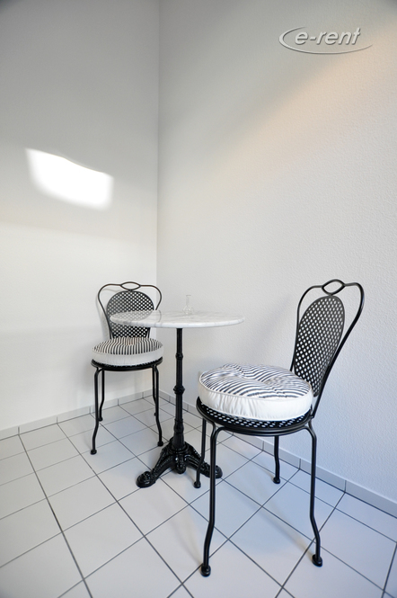 2 room flat in excellent city location