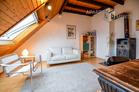 Zeitlos möblierte Dachgeschosswohnung in Köln-Nippes