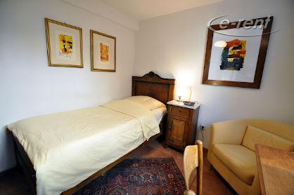Zeitlos möbliertes Apartement mit guter Ausstattung in Köln-Lindenthal