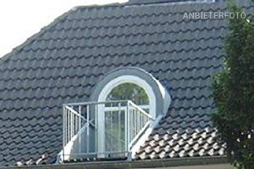 Modern möbliertes Dachstudio in Köln-Lindenthal