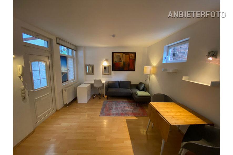 Modern möbliertes Haus im Hinterhof mit Terrasse in Köln-Nippes