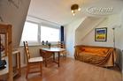 Modern möblierte Wohnung mit Schrägen in Köln-Neustadt-Süd