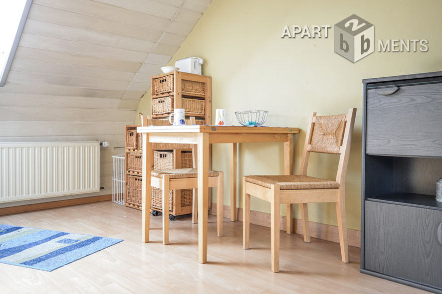 Modernly furnished granny apartment in Cologne-Weiß