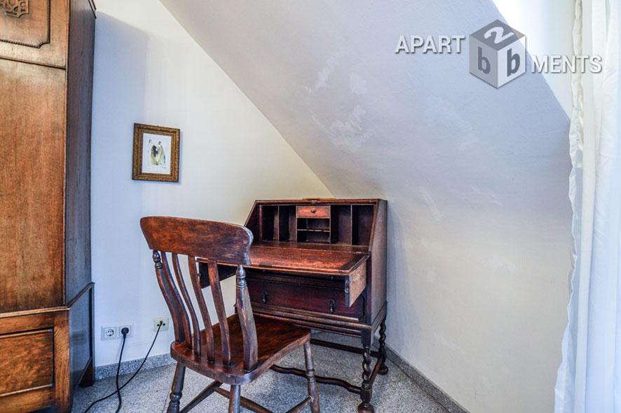 Modern furnished attic studio in Cologne-Lindenthal