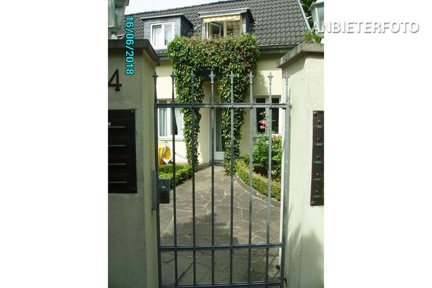 Hochwertig möbliertes Apartment mit Garten in Köln-Lindenthal