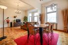 Weitläufige 2 Zimmer Altbauwohnung mit Stuckdecken in sehr guter Citylage