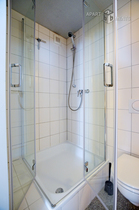Modern furnished and centrally located apartment in Cologne-Altstadt-Nord