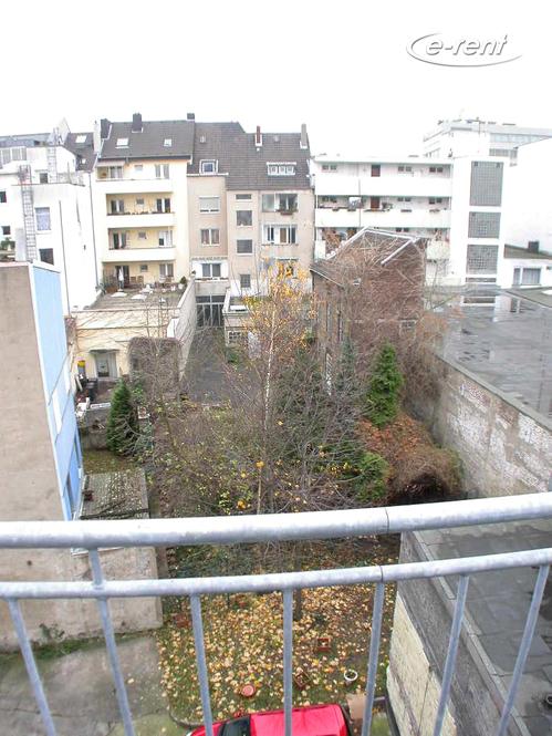 Modern möbliertes Maisonnetteapartment mit Balkon in Köln-Altstadt-Nord