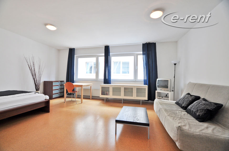 1 room apartment with balcony in a quiet city location