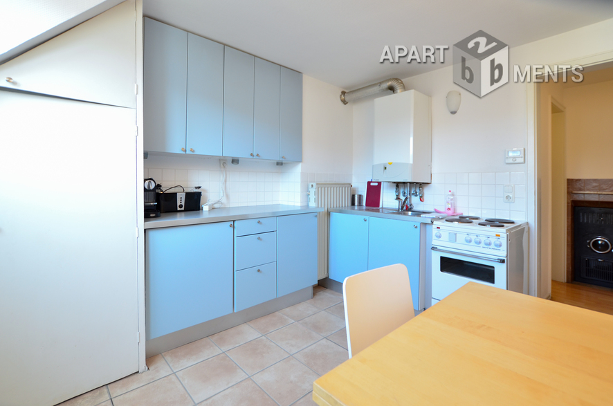 Modernly furnished apartment with separate eat-in kitchen in Cologne-Altstadt-Nord