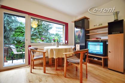 Modern möblierte Wohnung mit Balkon zum Garten in Köln-Mülheim