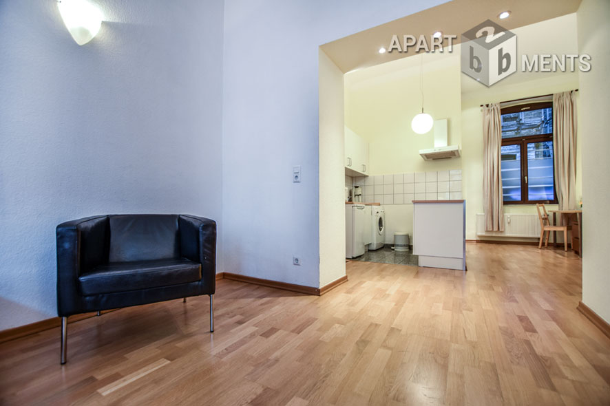 Modernly furnished and spacious apartment in Cologne-Altstadt-North