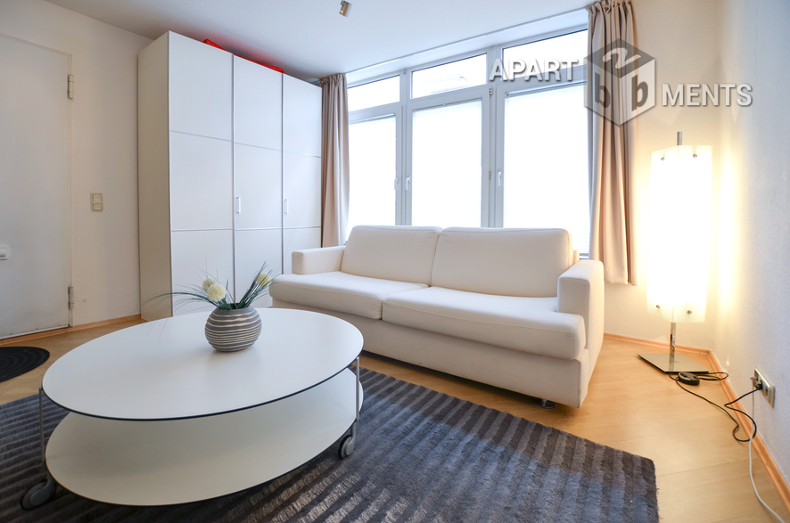 Furnished apartment with separate entrance in Cologne-Altstadt-Süd