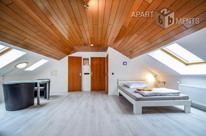 Möbliertes und sehr geräumiges und helles Apartment in Köln-Höhenhaus
