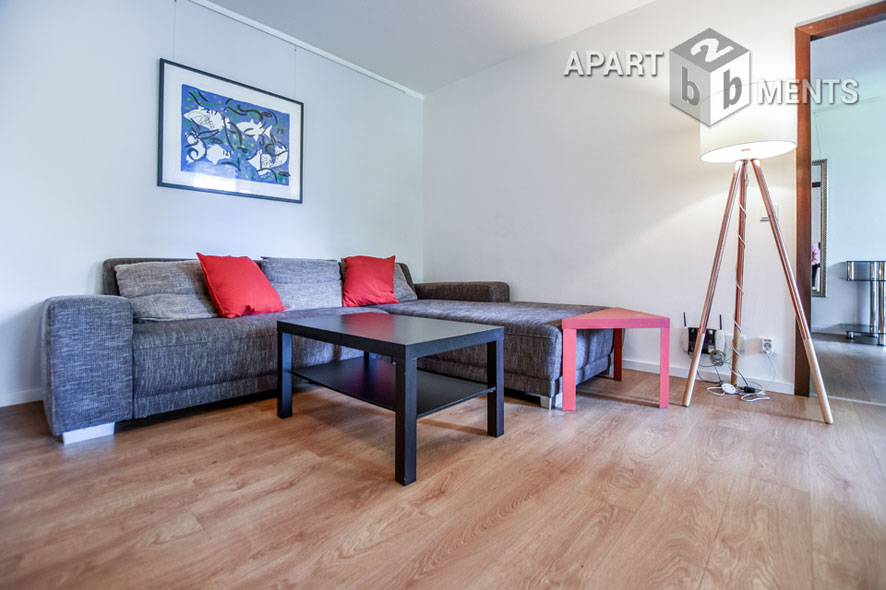 Modernly furnished and very quiet apartment with balcony in Cologne-Neustadt-Süd