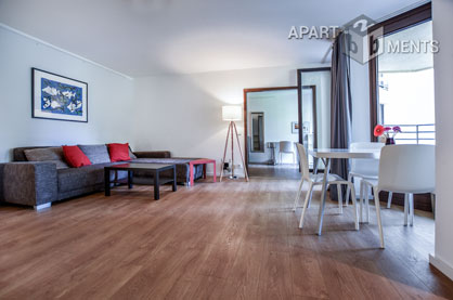 Modern möblierte und sehr ruhige Wohnung mit Balkon in Köln-Neustadt-Süd