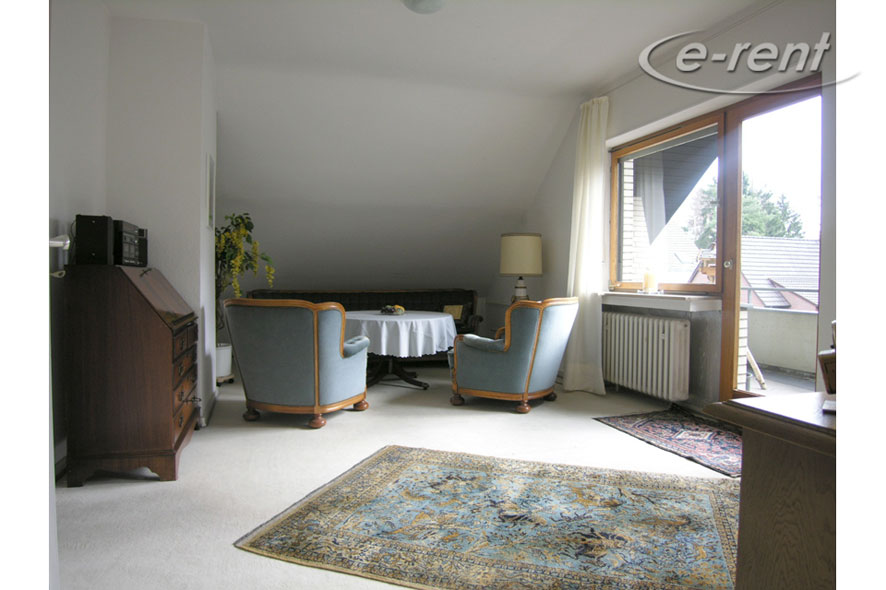 furnished room with private bathroom and south-facing balcony in Sankt Augustin