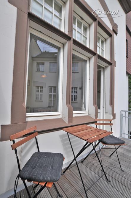 Erstklassig sanierte 2 Zimmer Altbauwohnung mit sehr stilvoller, moderner Möblierung - Empfehlung des Fotografen