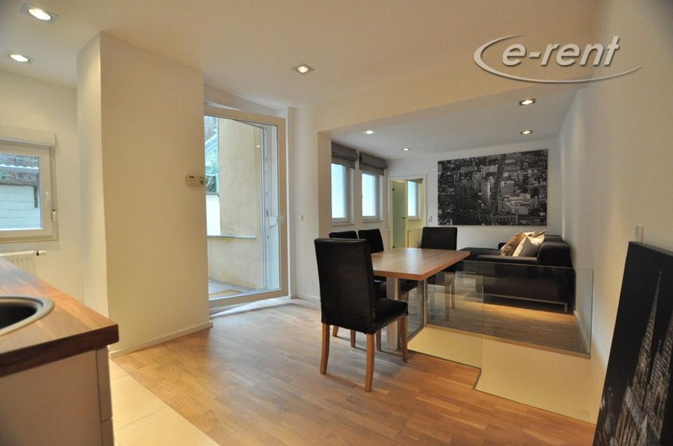 Hochwertige und moderne 3 Zimmer Wohnung großer Innenhof-Terrasse in 1a City-Lage