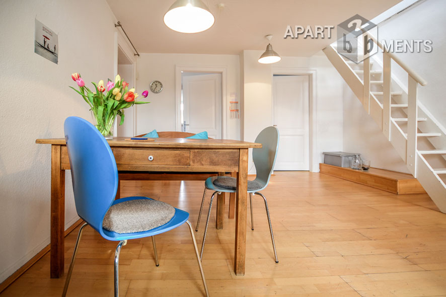 Modernly furnished maisonette apartment with terrace in Cologne Neustadt-Süd