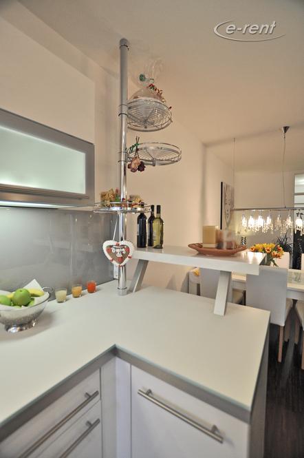 Modern möblierte und ruhige Wohnung mit Balkon in Monheim-Baumberg
