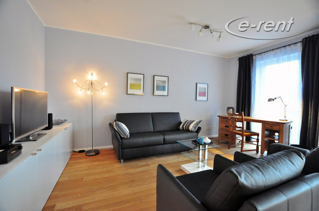 3 rooms luxury apartment with terrace and parking lot in quiet location, very close to the center