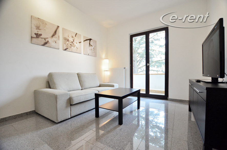 Modern high-quality 3 room apartment with balcony in an attractive, central residential area