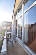 Modern möblierte und ruhig gelegene Wohnung mit Balkon in Köln-Poll