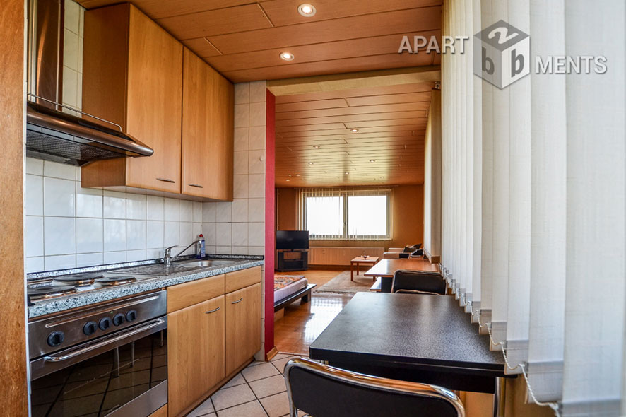 Spacious apartment with fitted kitchen and parking lot included in front of the door