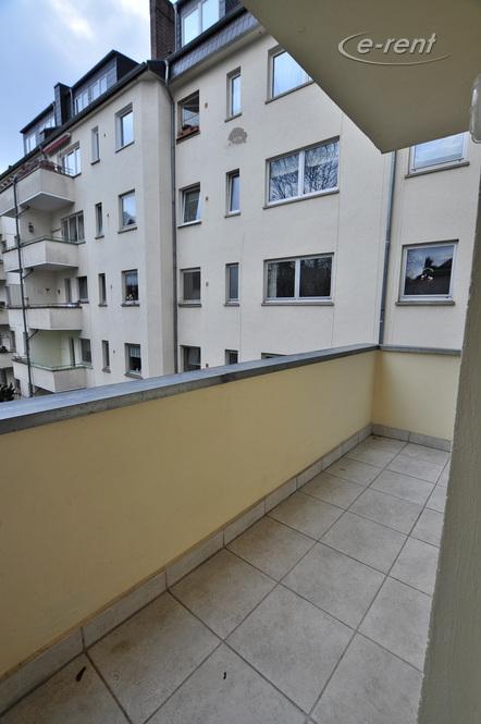 Modern möblierte Wohnung mit Balkon in Köln-Deutz