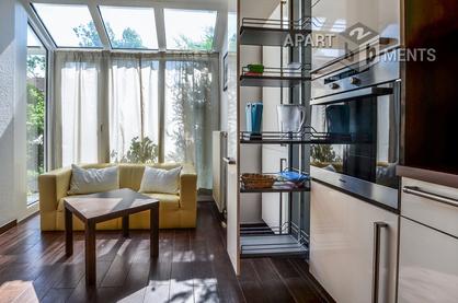Modern möbliertes Reihenhaus über drei Etagen mit Garten in Pulheim-Sinthern