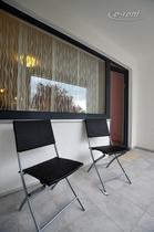 Modern und hochwertig möbliertes Apartment mit Balkon in Köln-Widdersdorf