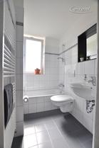 Modern möblierte und geräumige Wohnung mit Wintergarten in Köln-Niehl