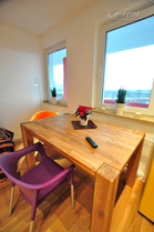 Modern and furnished apartment with large balcony in central location in Cologne-Deutz