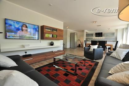 Möblierte 3-Zimmer-Luxus-Wohnung in Altstadt-Nord direkt am Heumarkt