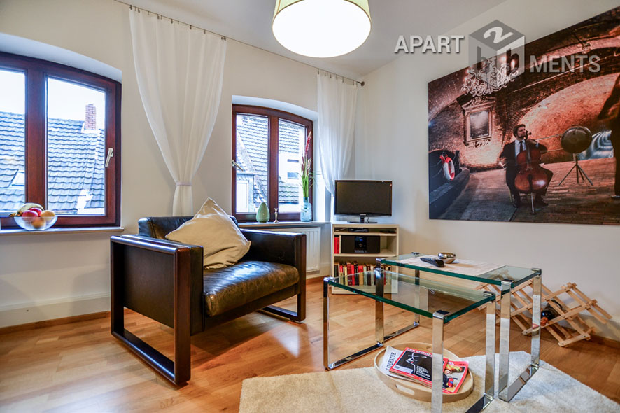 First-class furnished old building apartment in the heart of Cologne-Deutz