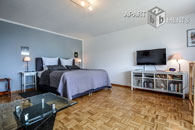 Möbliertes Komfort-Apartment mit City-Blick über die Kölner Skyline in Köln-Deutz
