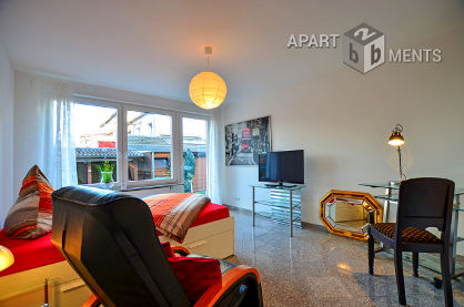 Hochwertig möbliertes Gästezimmer mit eigenem Duschbad in Köln-Bickendorf