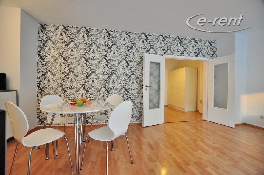 Modern möblierte und ruhige Wohnung mit Balkon in Köln-Altstadt-Süd