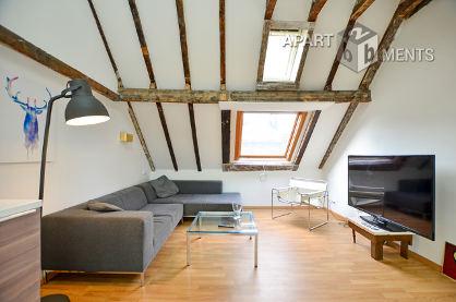 Modern möblierte und zentral gelegene Penthousewohnung im Belgischen Viertel