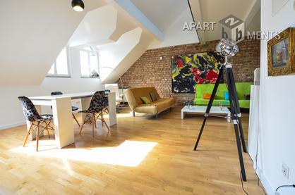 Hochwertig möblierte Dachmaisonettewohnung in Köln-Altstadt-Nord