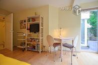 Modern möbliertes Apartment mit Garten und Terrasse in Köln-Altstadt-Nord