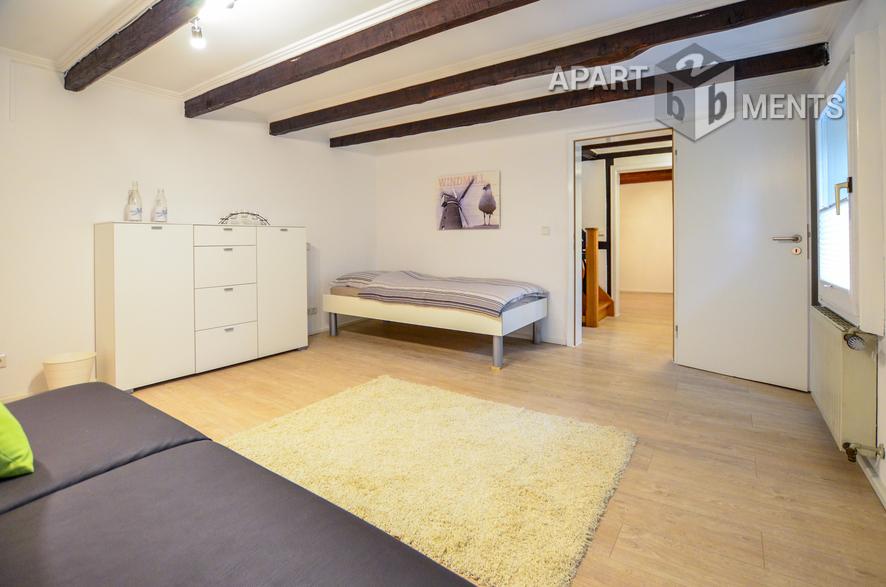 Modern möbliertes Fachwerkhaus in Leverkusen