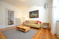 Stilvoll möblierte Wohnung in Köln-Müngersdorf mit Blick ins Grüne