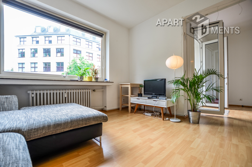 Furnished city apartment with huge roof garden in Cologne-Altstadt-North