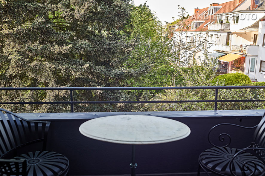 Mediteran möblierte Maisonettewohnung in Köln-Braunsfeld