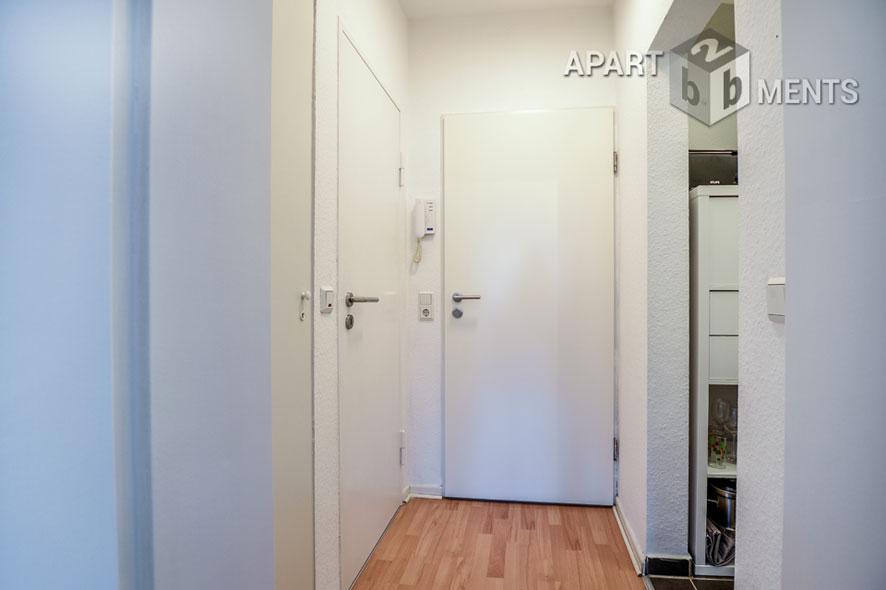 Hochwertig und modern möbliertes Apartment im Belgischen Viertel