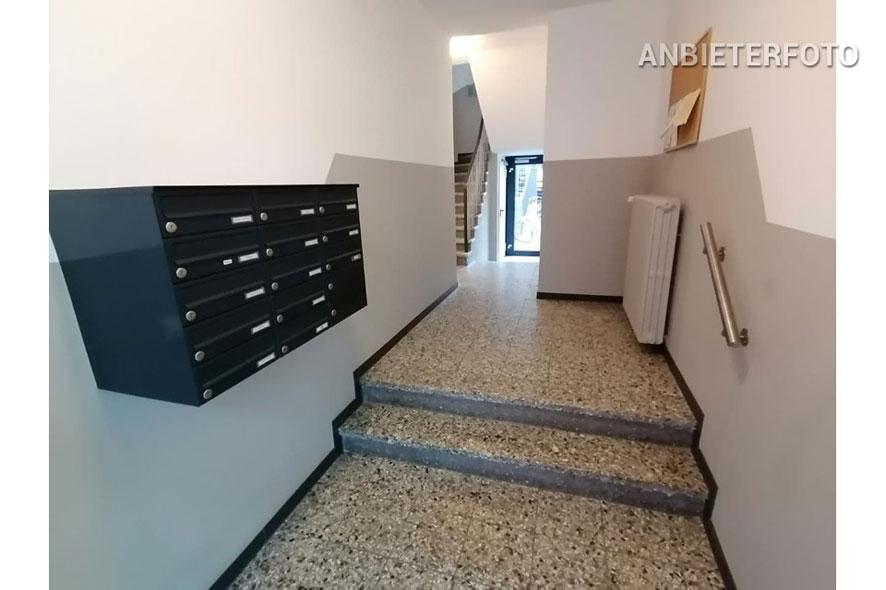 Kernsanierte möblierte Wohnung mit 2 Schlafzimmern in Köln-Altstadt-Süd