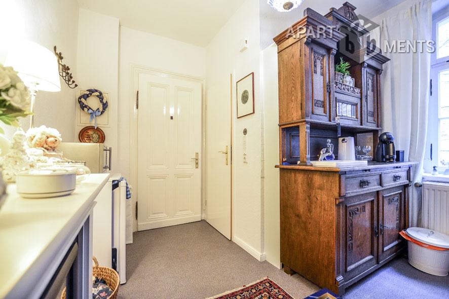 Möblierte kleine Maisonette Wohnung in Köln-Dellbrück